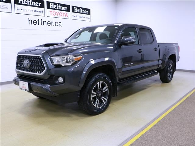 2018 Toyota Tacoma  5TFDZ5BNXJX032914 196143 in Kitchener