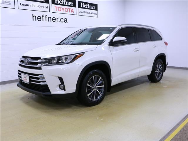 2017 Toyota Highlander XLE (Stk: 196317) in Kitchener - Image 1 of 33