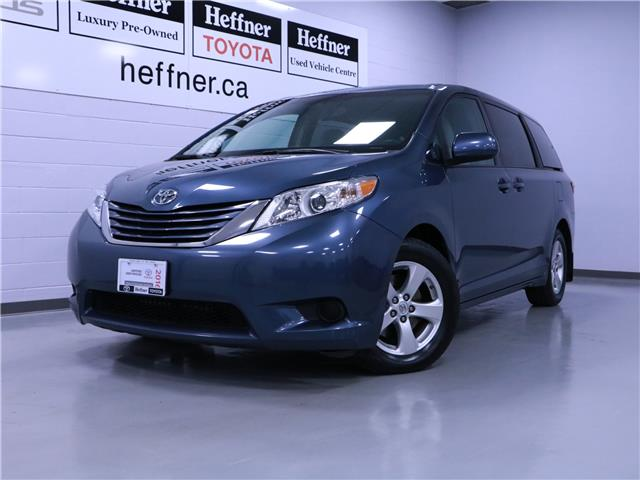 2016 Toyota Sienna LE 8 Passenger (Stk: 205261) in Kitchener - Image 1 of 25