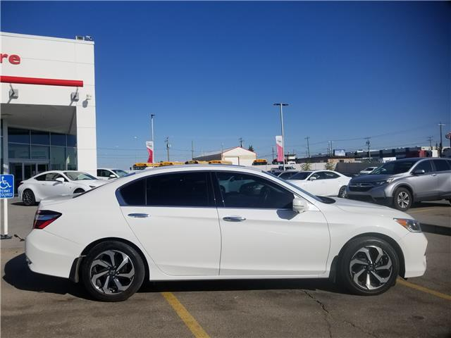 2017 Honda Accord EX-L V6 (Stk: U194275) in Calgary - Image 2 of 30