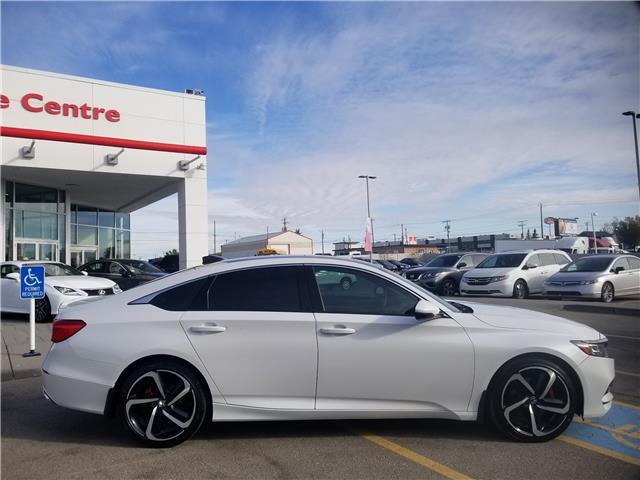 2018 Honda Accord Sport 2.0T (Stk: U194363) in Calgary - Image 2 of 29