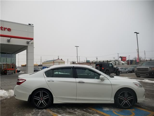 2017 Honda Accord Touring V6 (Stk: U194418) in Calgary - Image 2 of 30