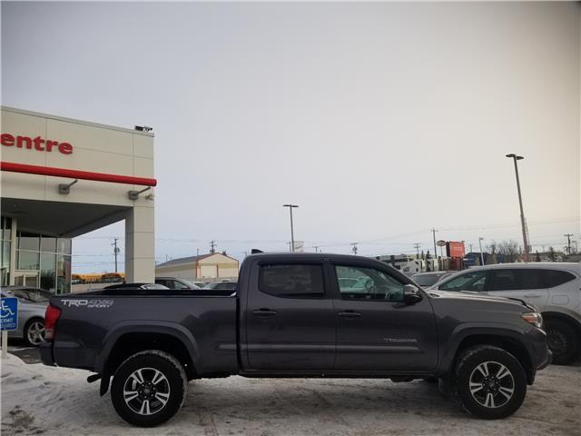 2016 Toyota Tacoma  (Stk: U204023) in Calgary - Image 2 of 27