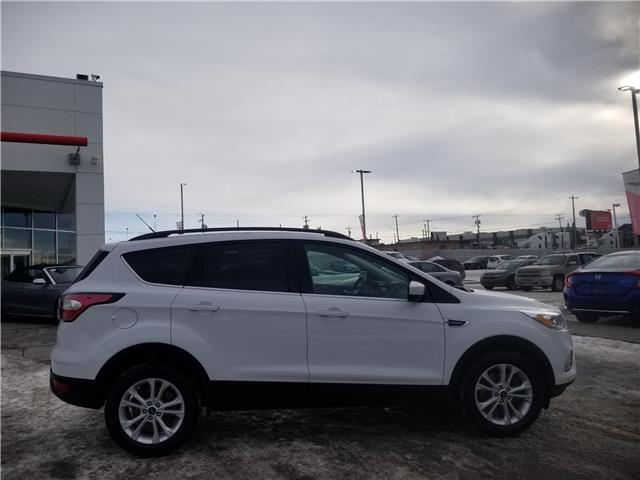 2017 Ford Escape SE (Stk: U204007) in Calgary - Image 2 of 24