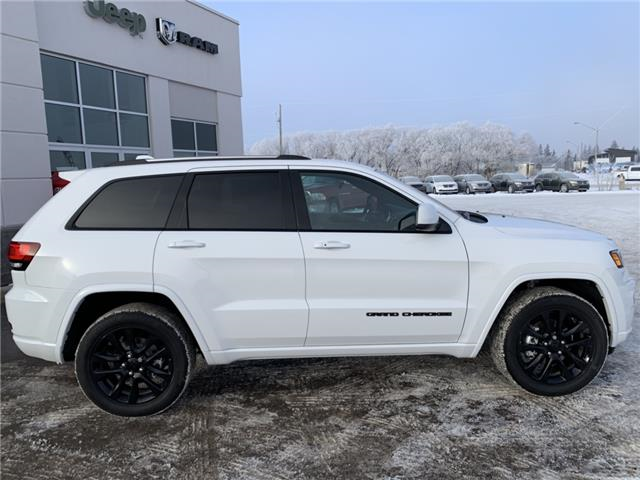 2019 Jeep Grand Cherokee Laredo (Stk: 32676) in Humboldt - Image 2 of 24