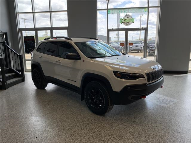 2020 Jeep Cherokee Trailhawk (Stk: 40024) in Humboldt - Image 1 of 24