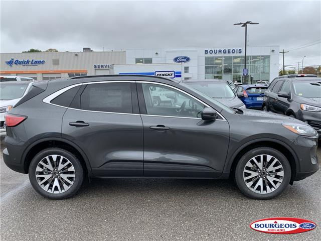 2020 Ford Escape Titanium (Stk: 0020T8) in Midland - Image 2 of 17