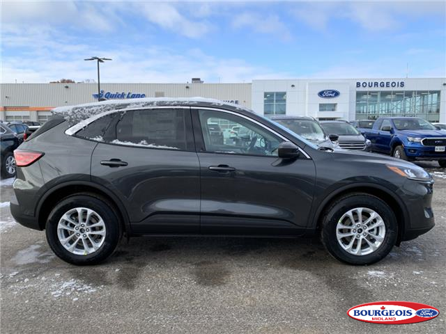 2020 Ford Escape SE (Stk: 020T54) in Midland - Image 2 of 17