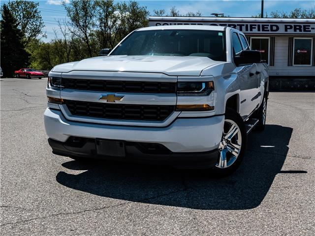 2017 Chevrolet Silverado 1500 Silverado Custom (Stk: 215420A) in Kitchener - Image 1 of 17