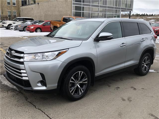 2019 Toyota Highlander LE (Stk: K8101) in Calgary - Image 1 of 20