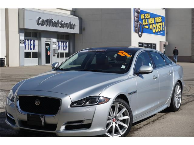 2019 Jaguar XJ XJ R-Sport (Stk: P3643) in Salmon Arm - Image 1 of 28
