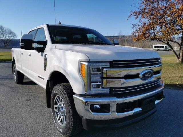 2019 Ford F-350 Lariat (Stk: 19T204) in Quesnel - Image 1 of 14