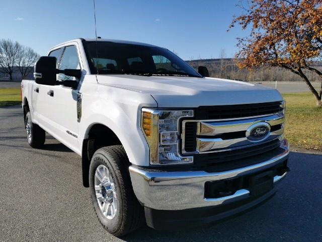 2019 Ford F-350 XLT (Stk: 19T183) in Quesnel - Image 1 of 14
