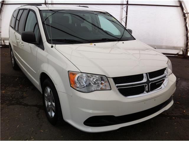 2013 Dodge Grand Caravan SE/SXT (Stk: D8518A) in Ottawa - Image 1 of 25