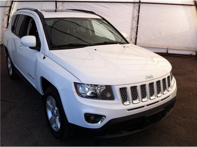 2016 Jeep Compass Sport/North (Stk: 190401A) in Ottawa - Image 1 of 17