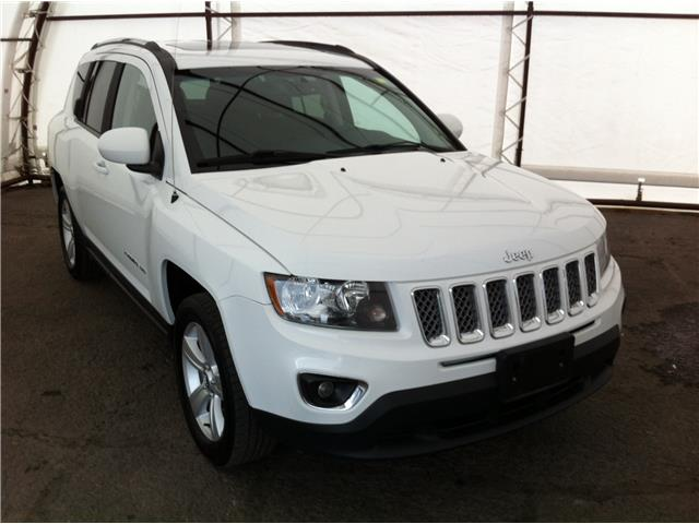 2016 Jeep Compass Sport/North (Stk: 190235A) in Ottawa - Image 1 of 27