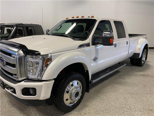 2015 Ford F-450 Lariat (Stk: T23025A) in Calgary - Image 1 of 16