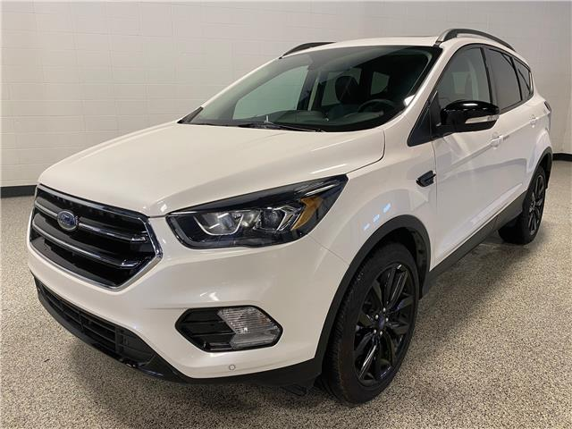2019 Ford Escape Titanium (Stk: P12280) in Calgary - Image 1 of 18