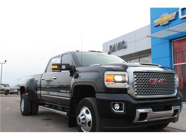 2017 GMC Sierra 3500HD Denali (Stk: 184141) in Claresholm - Image 1 of 25