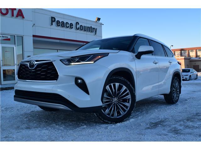 2020 Toyota Highlander Limited (Stk: 2083) in Dawson Creek - Image 1 of 17