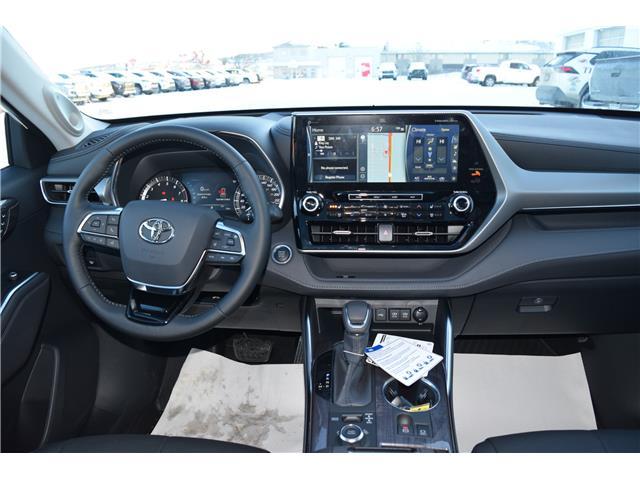 2020 Toyota Highlander Limited (Stk: 2083) in Dawson Creek - Image 2 of 17