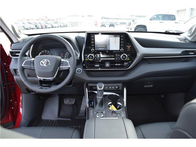 2020 Toyota Highlander Limited (Stk: 2087) in Dawson Creek - Image 2 of 14