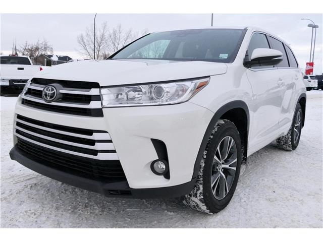 2017 Toyota Highlander LE (Stk: B0112) in Lloydminster - Image 1 of 11