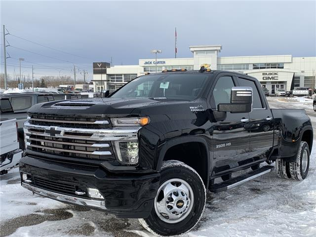 2020 Chevrolet Silverado 3500HD High Country (Stk: LF203241) in Calgary - Image 1 of 26