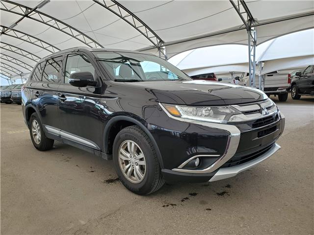2017 Mitsubishi Outlander SE (Stk: 182624) in AIRDRIE - Image 1 of 27