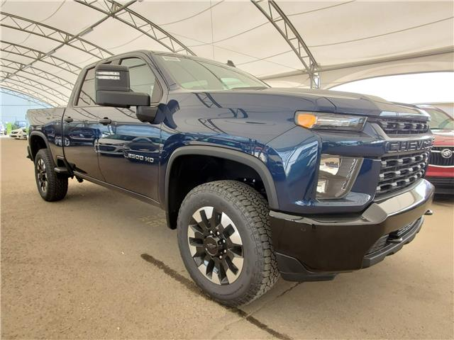 2020 Chevrolet Silverado 2500HD Custom (Stk: 184956) in AIRDRIE - Image 1 of 26