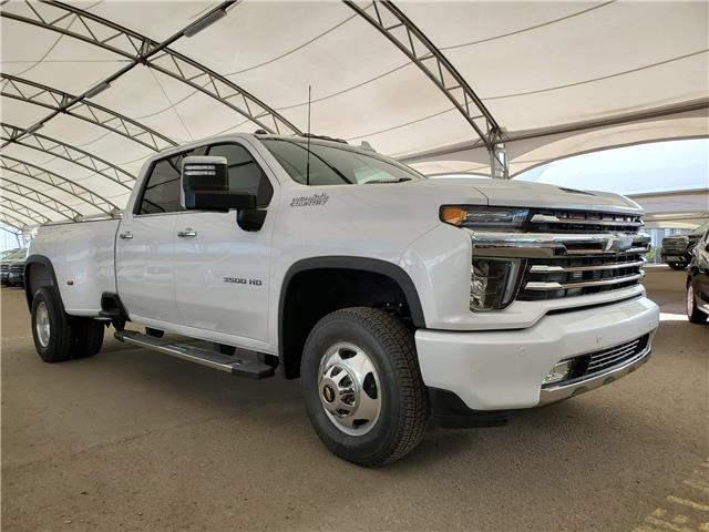 2020 Chevrolet Silverado 3500HD High Country (Stk: 186348) in AIRDRIE - Image 1 of 38
