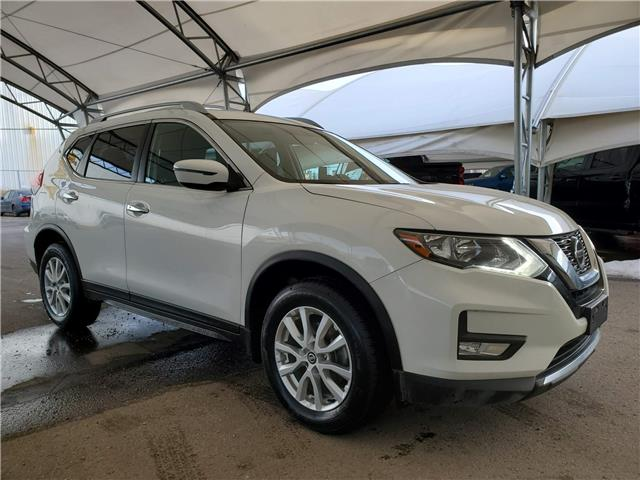 2018 Nissan Rogue SV (Stk: 172049) in AIRDRIE - Image 1 of 31