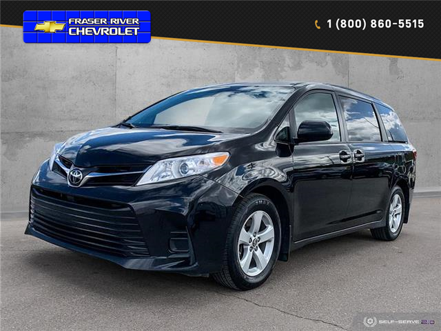 2020 Toyota Sienna LE 8-Passenger (Stk: 9920) in Quesnel - Image 1 of 24