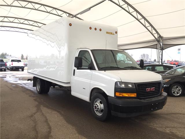 2018 GMC Savana Cutaway Work Van 7GZ37TCG5JN002742 174981 in AIRDRIE