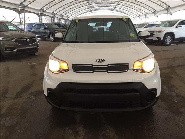 2019 Kia Soul LX (Stk: 180382) in AIRDRIE - Image 2 of 32