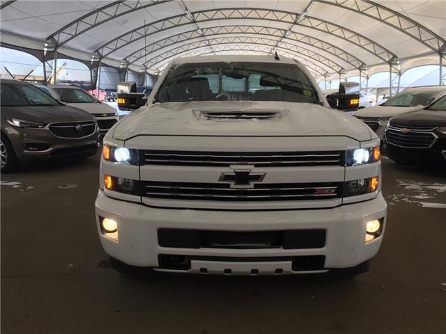2018 Chevrolet Silverado 3500HD LTZ (Stk: 159947) in AIRDRIE - Image 2 of 42