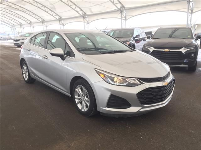 2019 Chevrolet Cruze LT 3G1BE6SM1KS584538 181339 in AIRDRIE