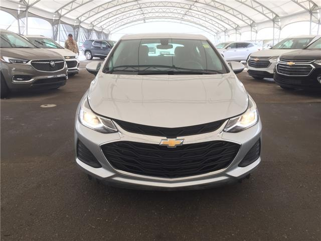 2019 Chevrolet Cruze LT (Stk: 181342) in AIRDRIE - Image 2 of 37