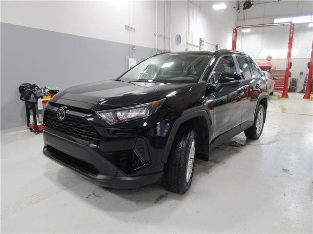 2019 Toyota RAV4 LE (Stk: 79061) in Moose Jaw - Image 1 of 28