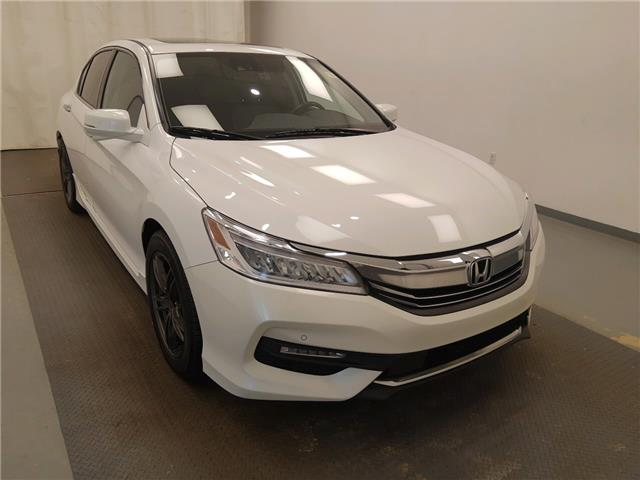 2016 Honda Accord Touring V6 (Stk: 215200) in Lethbridge - Image 1 of 28