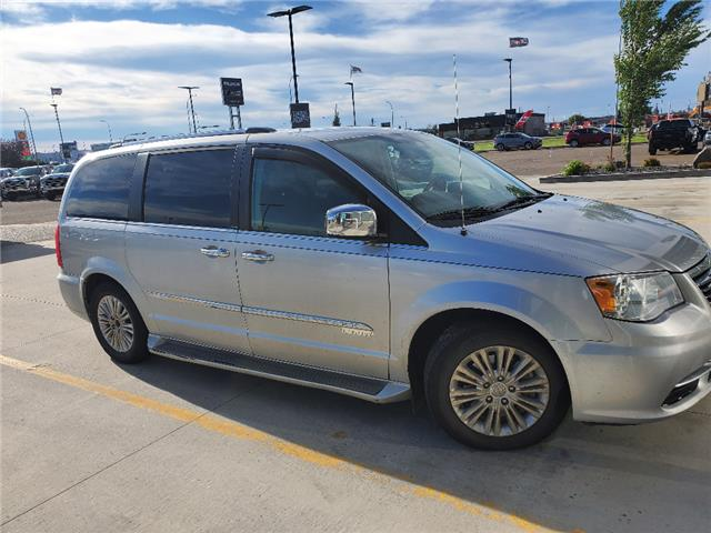 2012 Chrysler Town & Country Limited (Stk: 168498) in Lethbridge - Image 1 of 6