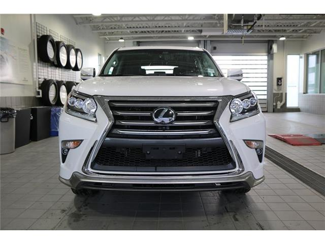 2017 Lexus GX 460 Base (Stk: 200257A) in Calgary - Image 2 of 18