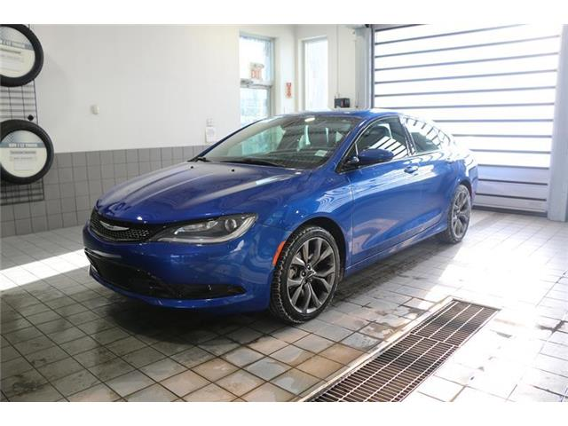 2015 Chrysler 200 S (Stk: 200353A) in Calgary - Image 2 of 17