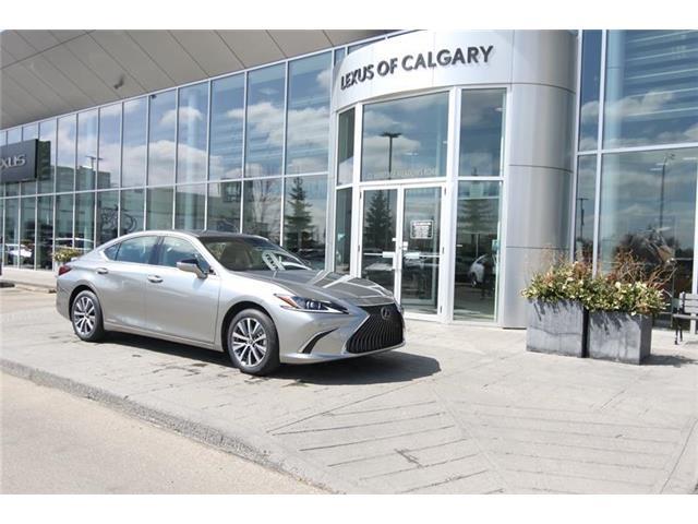 2020 Lexus ES 300h Premium (Stk: 200234) in Calgary - Image 1 of 19