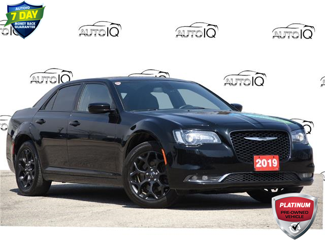 2019 Chrysler 300 S (Stk: D100290BX) in Kitchener - Image 1 of 21