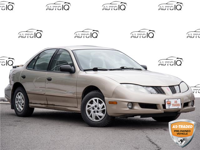 2005 Pontiac Sunfire SL (Stk: 7388AZ) in Welland - Image 1 of 17