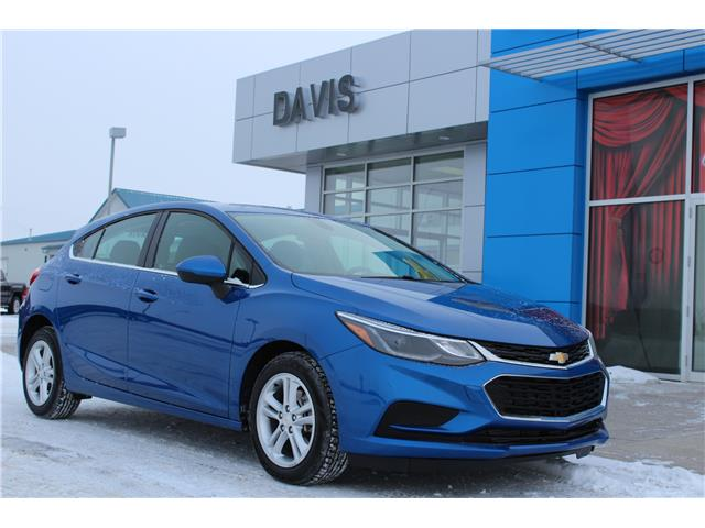 2018 Chevrolet Cruze LT Auto (Stk: 197484) in Claresholm - Image 1 of 20
