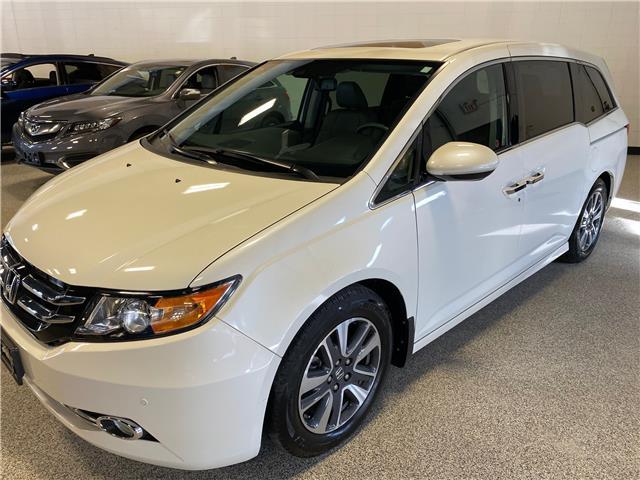 2016 Honda Odyssey Touring (Stk: P12317) in Calgary - Image 1 of 19