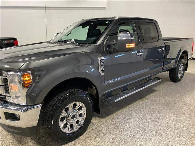 2018 Ford F-350 XLT (Stk: T23330) in Calgary - Image 1 of 15