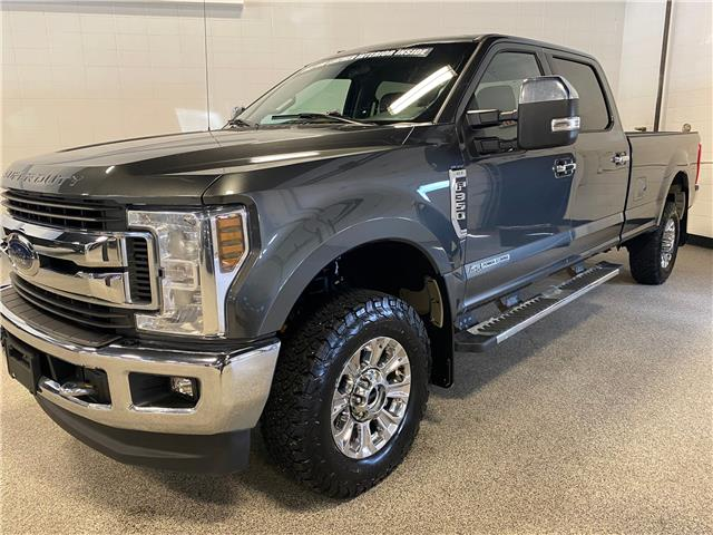 2018 Ford F-350 XLT (Stk: T23321) in Calgary - Image 1 of 19